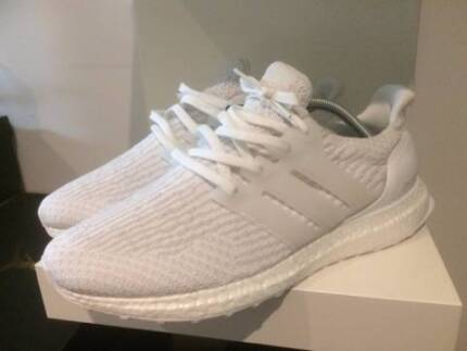 Adidas Ultra boost Triple White US 9 DS