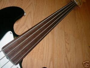 Super Basse FENDER FRETLESS Jazz Bass + Case