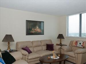 1 bedroom apartment for rent MINUTES to Downtown!