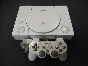 Playstation 1 + Manette DualShock Officielle SONY / Model SCPH-7501 (i019943)