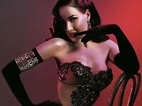 Book a Burlesque Workshop - stagette, birthdays, events!