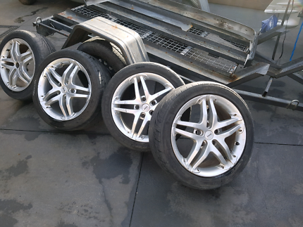 17 inch momo wheels and tyres
