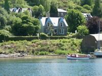 Queensgate Holiday let Tarbert Lochfyne Kintyre Argyll Self Catering Cottage Accommodation