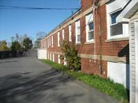Wiley and Hwy 1: 490 Wiley Ave, 1BR