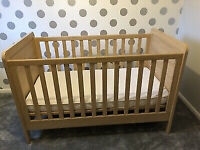 Mammas and Pappas 'Rialto' Cot/Toddler Bed and Bed Linen