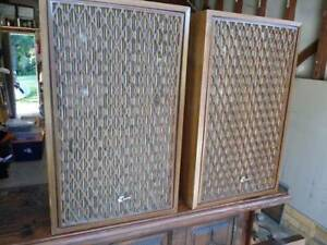 Speakers (Sanui SP-2500X) Mullumbimby Byron Area Preview