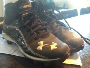 Under Armour kids Football Cleats size 5.5