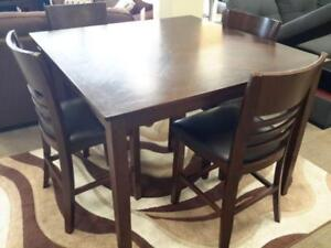 *** USED *** MAZIN FURNITURE TOMLIN 5PC DINETTE   S/N:51219797   #STORE545