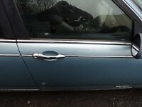 ROVER 75 2.5 2001 PETROL SKY BLUE DRIVERS DOOR**breaking for spares**