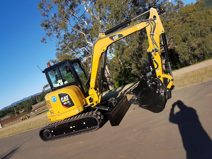 5t cat for dry hire $220 per day + float