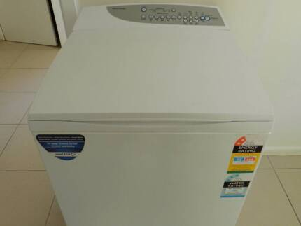 FISHER&PAYKEL 8KILO WASHING MACHINE IN EXCELLENT CONDITION
