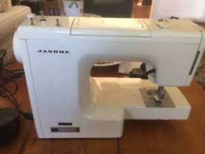 Janome sowing Machine with accessaries Balgowlah Manly Area Preview