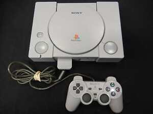 Playstation 1 + Carte Memoire + Manette SONY / Model SCPH-7501 (i019137)