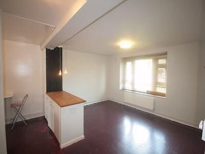 Newly decorated 1 bed flat in Stockwell