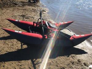 Inflatable pontoons boat
