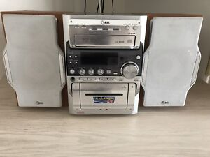 Free 3 CD player Woodlands Stirling Area Preview