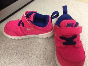 Pink Nike size 6 toodler shoes