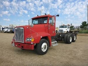 1990 Freightliner FLD 120 LOW KM's and HOURS!!