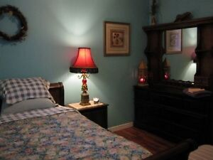 BEAUTIFUL ROOM FOR RENT, CLEAN, GREAT AREA $35