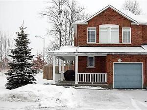 3 BR Large Townhome End Unit- Village GREEN-Kanata North