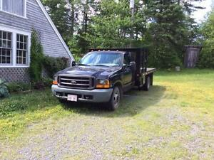 2000 Ford F-350 Pickup Truck with 6 tonne dovetail trailer