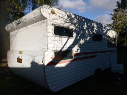 18FT Deville Single Axel Caravan