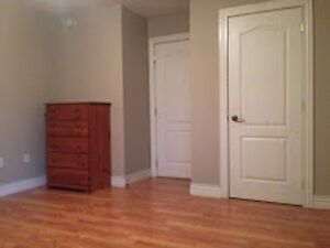 ***Large Room in Modern Suite- North End***