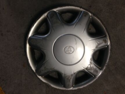 """GARAGE CLEANOUT  - 1 x 13"""" 1996 Toyota Camry hubcaps Holder Weston Creek Preview"""