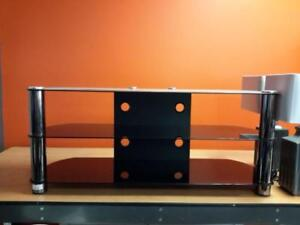 *** USED *** CORLIVING METAL TV STAND   S/N:51155999   #STORE935
