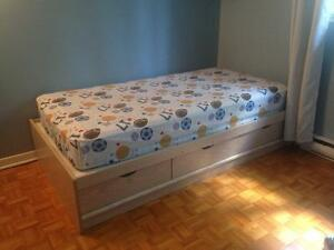 Captains bed - twin