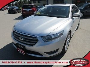 2013 Ford Taurus LOADED SEL MODEL 5 PASSENGER AWD.. 3.5L - V6..