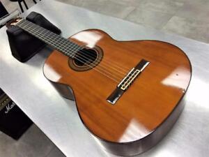Guitare classique Vintage YAMAHA G-240 + étui   #F024016