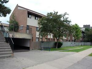 Ottowa St. N. and River Rd. E.: 75 Old Chicopee, 2BR Kitchener / Waterloo Kitchener Area image 2