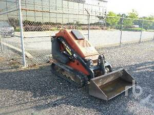 2011 Ditch Witch SK650 w/ Dirt Buicket... Only 1050 Hours
