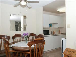 1 bedroom apartment for rent MINUTES to Downtown! Peterborough Peterborough Area image 3