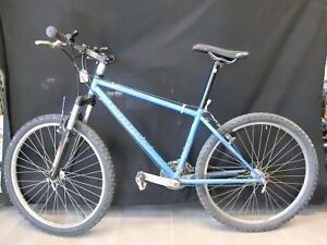 Vélo de montagne Specialized HardRock grandeur medium (i007704)