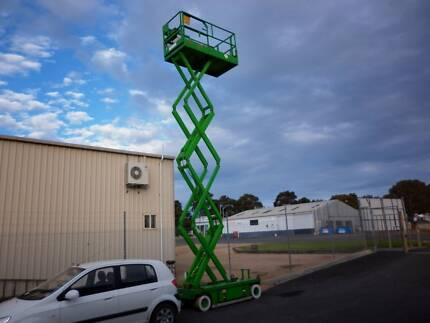 sizzer lift elevating work platform