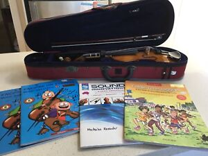 Near new students violin (1/2 size) Como Sutherland Area Preview