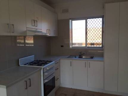 TWO BEDROOM Unit - Easy Freeway access