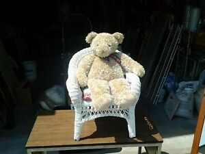 QUALITY BEAR IN THE CHAIR