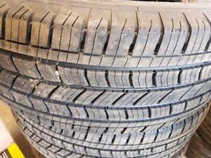 4 pneus d'été 265/65/18 Michelin Energy Saver A/S. 0% d'usure, mesure 9/32.