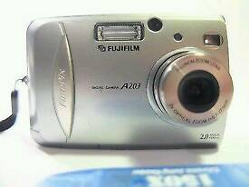 Fujifilm FinePix A203 - Digital Camera with memory card and battery's / cash or swaps