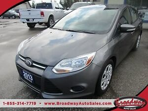2013 Ford Focus POWER EQUIPPED SE MODEL 5 PASSENGER 2.0L - DOHC.