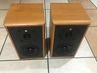 Rare 1961 cestra KEF speakers - clear bass