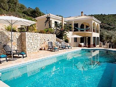 Top villa met zwembad en schitterend uitzicht te huur for Villa met zwembad te huur