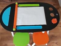The KidKraft Deluxe Chalkboard Art Table with Stools will be the creativ