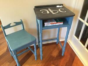 Antique desk kijiji free classifieds in calgary find a for A z kitchen cabinets ltd calgary