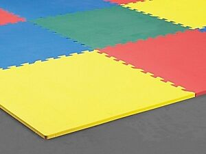 Coloured baby/toddler playmats