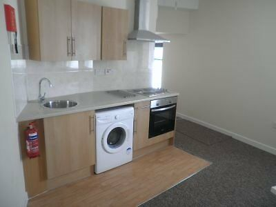 Modern First Floor One Bed Flat Available Now £500 Very Close To City Centre
