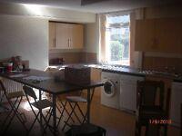 9 bedrooms in Manor Terrace, Leeds, LS6 1BU
